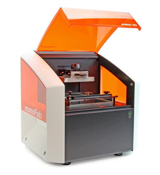 Фото 3D принтера Roland ARM-10 3