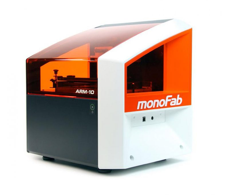 Фото 3D принтера Roland ARM-10 4
