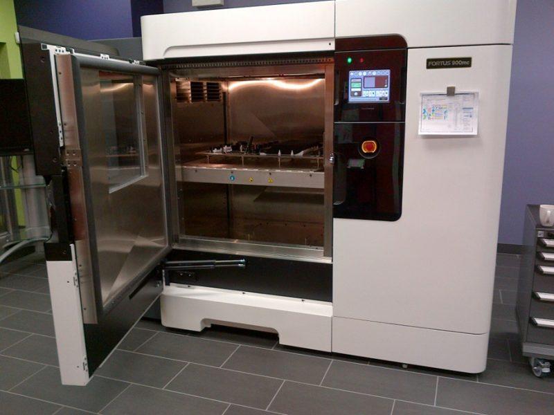 Фото 3D принтера Stratasys Fortus 900mc 2