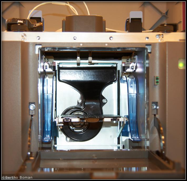 Фото 3D принтера Stratasys Mojo 3
