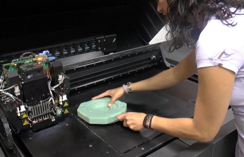 Фото 3D принтера Stratasys Objet350/500 Connex3 4