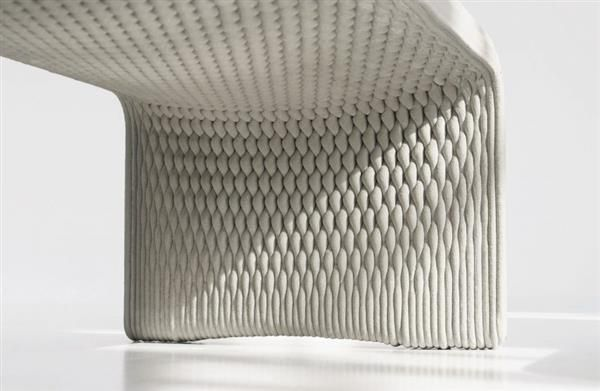 Фото бетонной скамейки-плетенки на 3D принтере 3