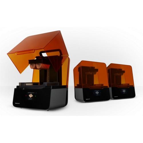 Фото 3D принтера Formlabs Form 3 3