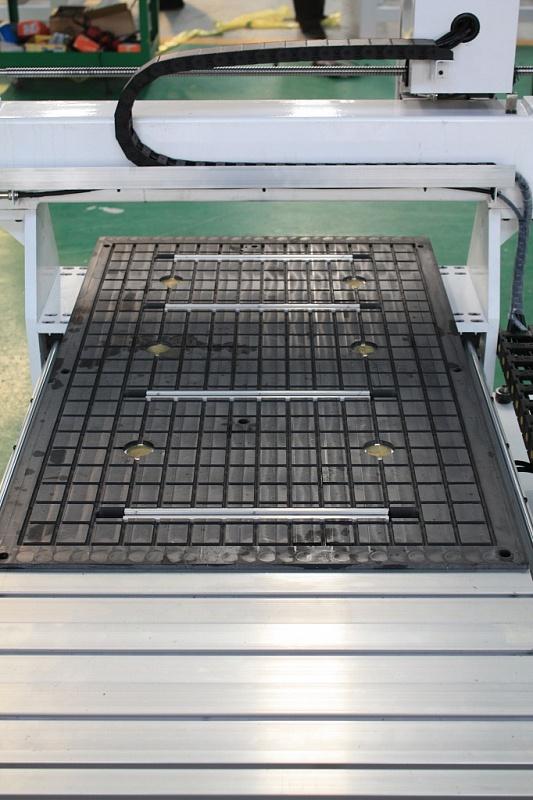 Фото фрезерного станка с ЧПУ Advercut K6100A 6