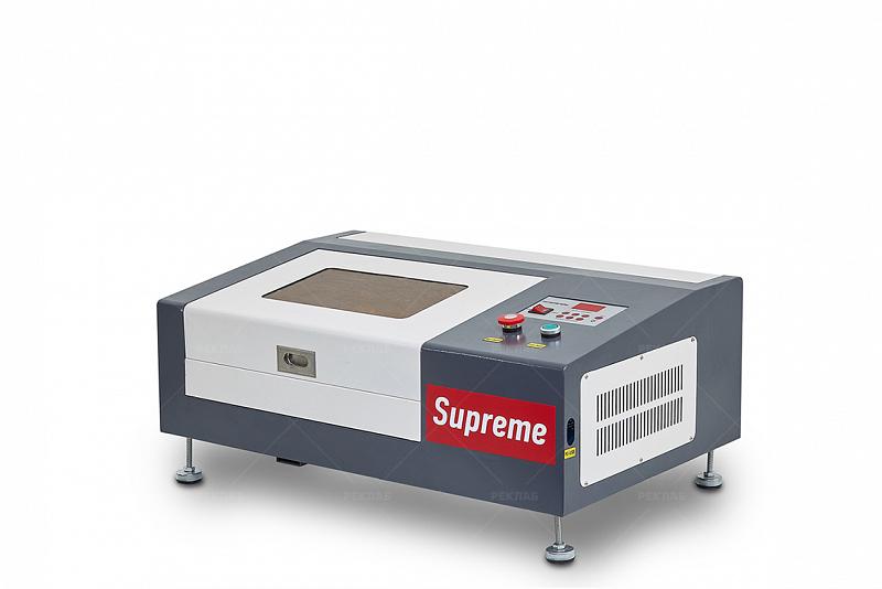 Фото лазерного гравировального станка Supreme 2030 1