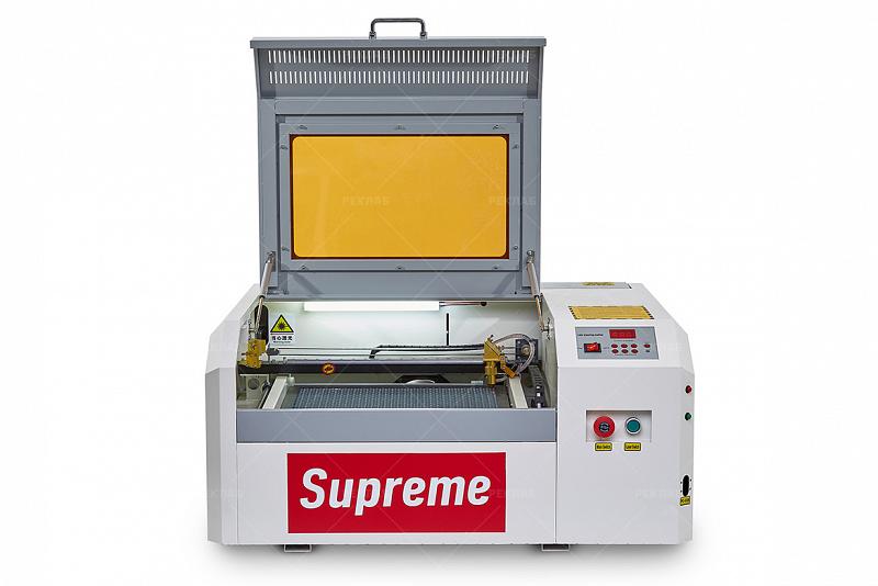 Фото лазерного гравировального станка Supreme 4040 2