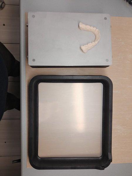 Фото ванночки для фотополимера для UNIZ серии Slash 2