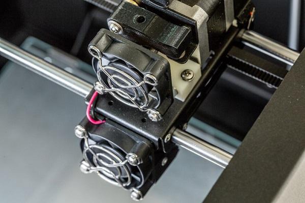 Фото 3D-принтера ZENIT 3D HT 3